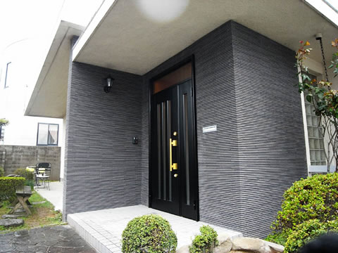 玄関扉・ポーチの改装で安全と高級感を