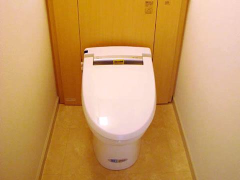 空間を広々と使えるトイレ