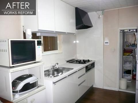 白で統一 すっきりとしたキッチン