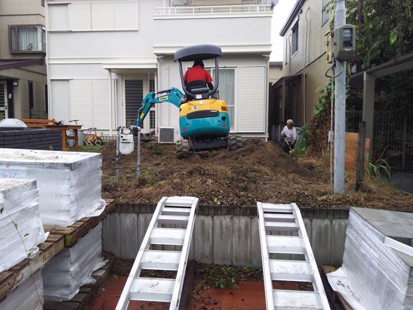 フェンスとウッドデッキを設置!使いやすくスッキリしたお庭に 4枚目