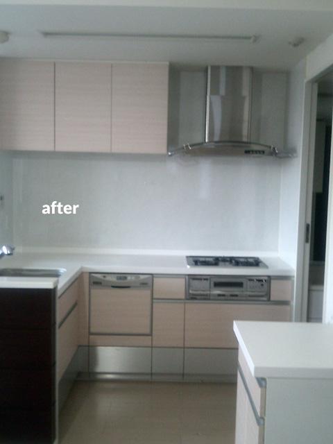 キッチンの扉・引出の色をダイノックフィルムでリフォーム