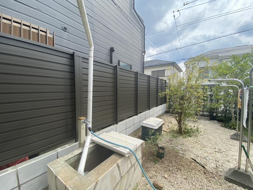 経年劣化した隣地境界フェンスやり替え工事