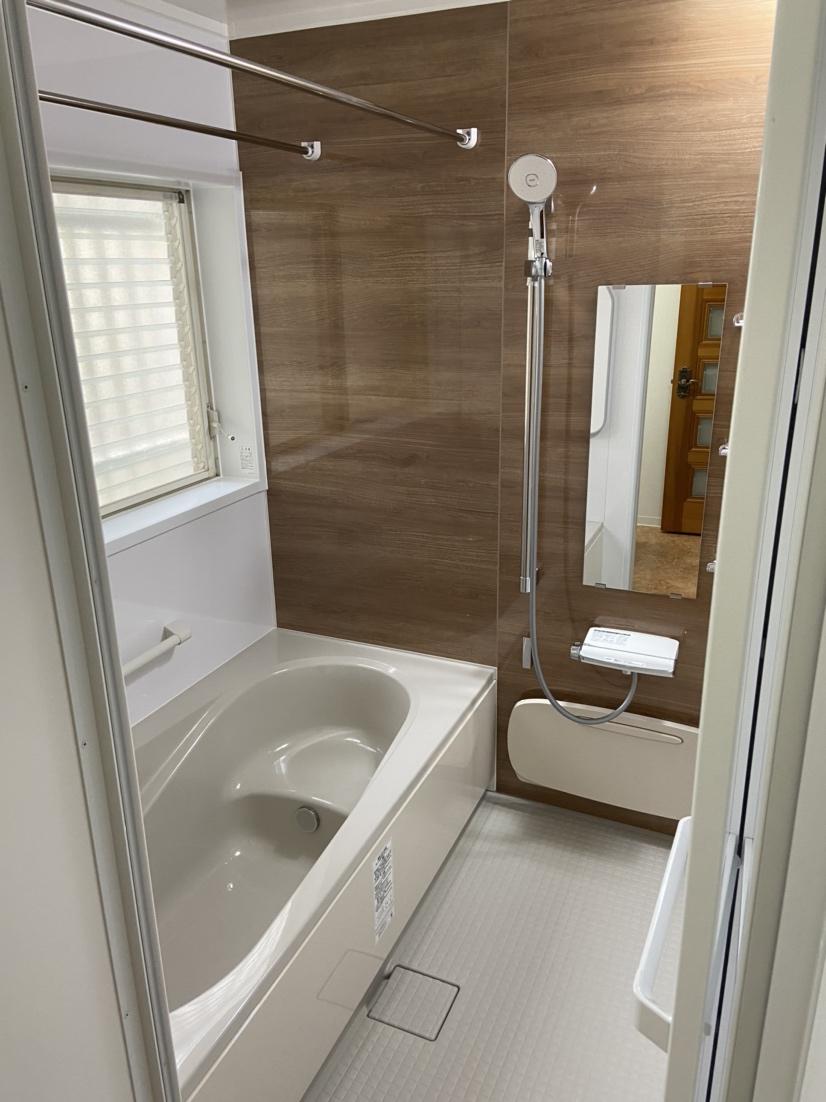 水回り一新、洗面・浴室・給湯器等の工事です。