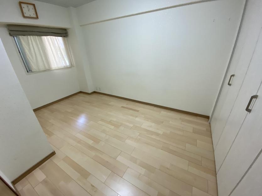 マンションの床のレベル調整、フローリング張替え工事